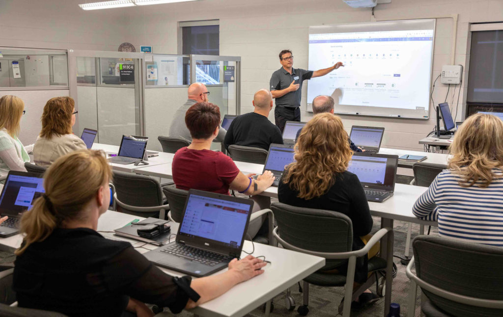 Image of an educational multimedia specialist holding a workshop